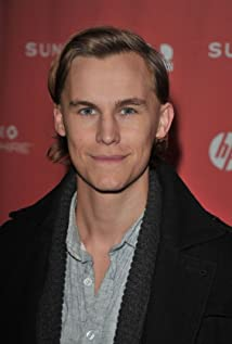 Rhys Wakefield Picture