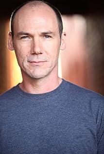 Aktori Andrew Borba