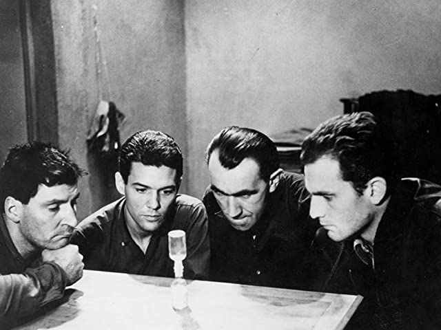 Philippe Leroy, Jean Keraudy, Raymond Meunier, and Marc Michel in Le Trou (1960)