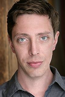 Aktori Joshua Burge