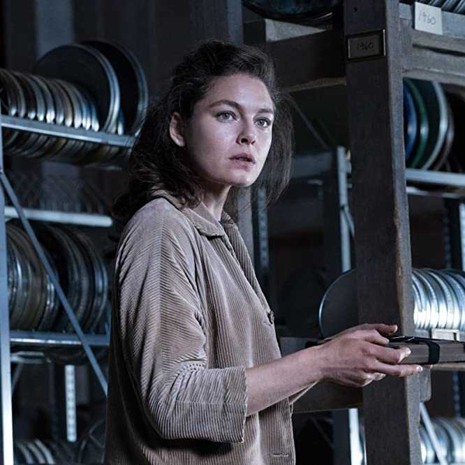 Alexa Davalos in The Man in the High Castle (2015)