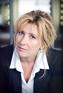 Ariane Schluter Picture