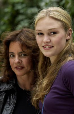 Stockard Channing and Julia Stiles at The Business of Strangers (2001)
