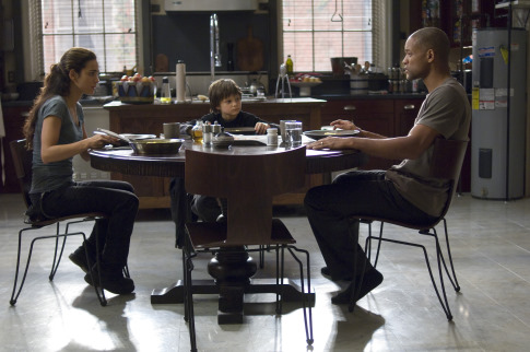 Will Smith, Alice Braga, and Charlie Tahan in I Am Legend (2007)