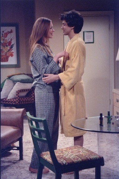 When Eric (Topher Grace, R) and Donna (Laura Prepon, L) decide to go away and spend a nice weekend together alone, they are in for a real surprise on THAT '70s SHOW