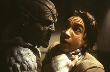 Jonathan Breck and Justin Long in Jeepers Creepers (2001)