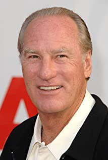 Craig T. Nelson  - 2018 Grey hair & alternative hair style.