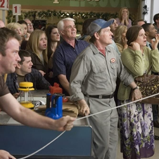 Marcia Gay Harden, Thomas Jane, and William Sadler in The Mist (2007)