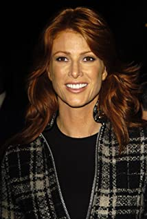 Angie Everhart earned a  million dollar salary - leaving the net worth at 20 million in 2018