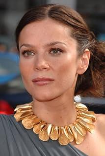 Aktori Anna Friel