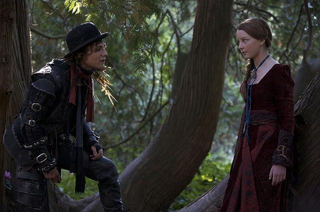 Augustus Prew and Dakota Blue Richards in The Secret of Moonacre (2008)