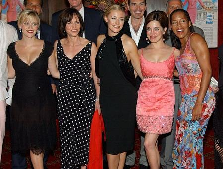 Reese Witherspoon, Sally Field, Jessica Cauffiel, Alanna Ubach and Regina King