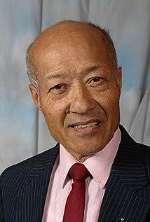 Aktori Aki Aleong