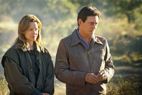 Gabriel Byrne and Laura Linney in Jindabyne (2006)