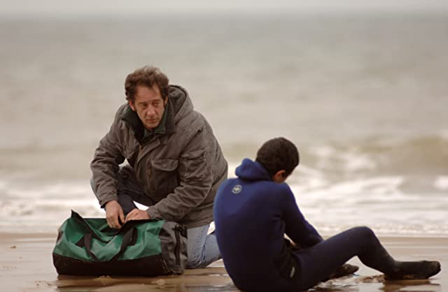 Vincent Lindon and Firat Ayverdi in Welcome (2009)