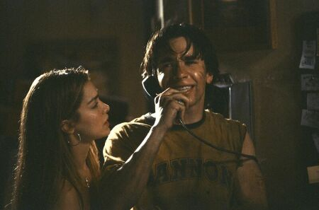Gina Philips and Justin Long in Jeepers Creepers (2001)