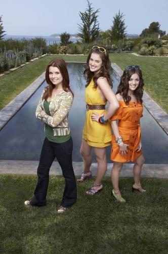 JoAnna Garcia Swisher, Ashley Newbrough, and Lucy Hale in Privileged (2008)