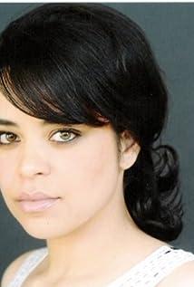 Bianca Santos Picture