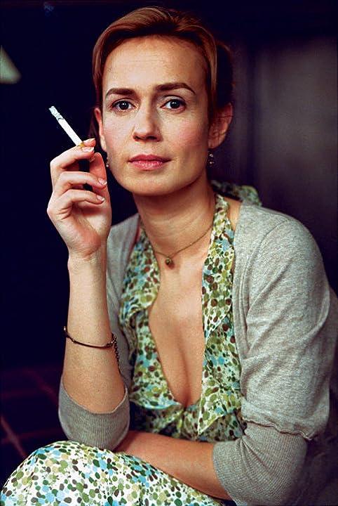 Sandrine Bonnaire in Intimate Strangers (2004)