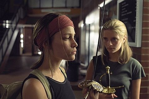 Piper Perabo and Mischa Barton in Lost and Delirious (2001)