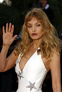 Arielle Dombasle Picture