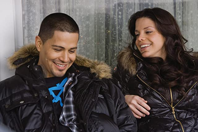 Jay Hernandez and Vanessa Ferlito in Nothing Like the Holidays (2008)