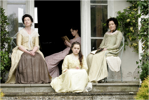 Anne Hathaway, Lucy Cohu, Eleanor Methven, and Jessica Ashworth in Becoming Jane (2007)