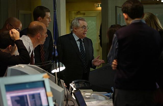 Brian Cox and Gabriel Mann in The Bourne Supremacy (2004)