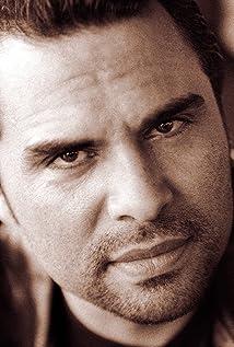 Aktori Manny Perez