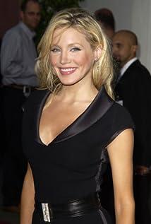 Aktori Amanda Swisten