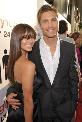 Roselyn Sanchez and Eric Winter at The Ugly Truth (2009)