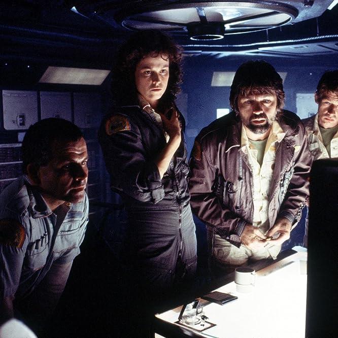 Sigourney Weaver, Ian Holm, John Hurt, and Tom Skerritt in Alien (1979)