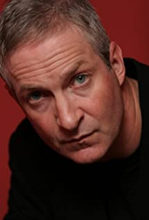 Aktori Oliver Muirhead