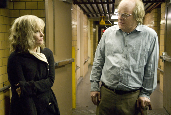 Philip Seymour Hoffman and Jennifer Jason Leigh in Synecdoche, New York (2008)
