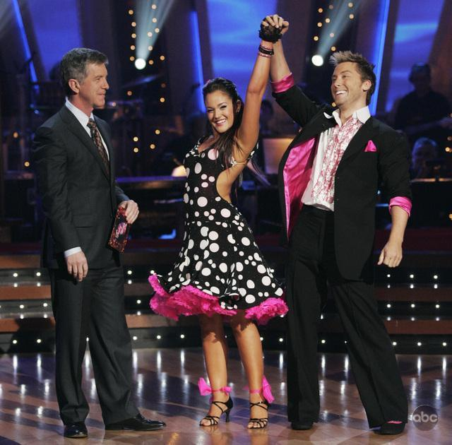 Lance Bass and Tom Bergeron in Dancing with the Stars (2005)
