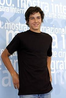 Aktori Pierre Boulanger