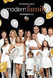 Modern Family Poster - TV Show Forum, Cast, Reviews