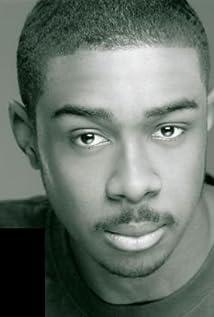 Aktori Kyle Clarington