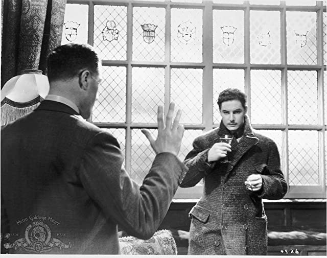 Robert Donat and Godfrey Tearle in The 39 Steps (1935)