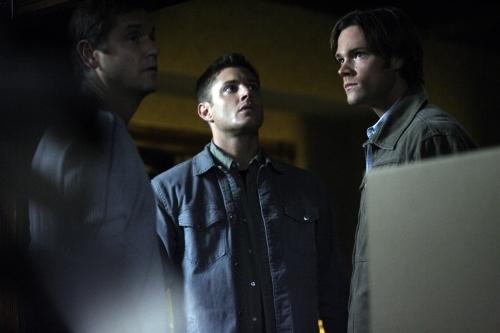 Jensen Ackles, David Newsom, and Jared Padalecki in Supernatural (2005)