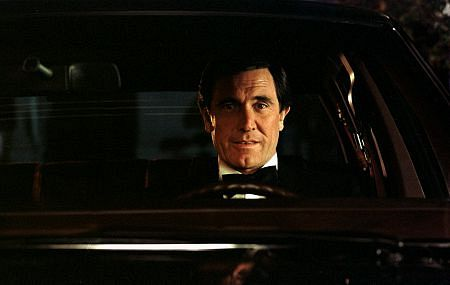 14836-1 GEORGE LAZENBY 1982 DURING A LINCOLN CAR COMMERCIAL