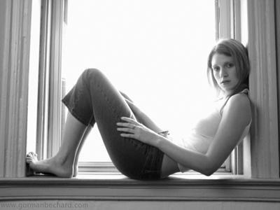 julie mcniven height weight