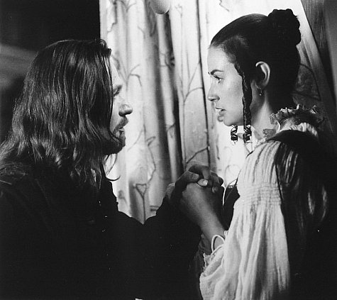 Demi Moore and Gary Oldman in The Scarlet Letter (1995)
