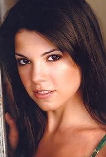 Nicole Cavazos Picture