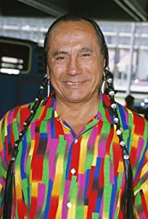 Aktori Russell Means