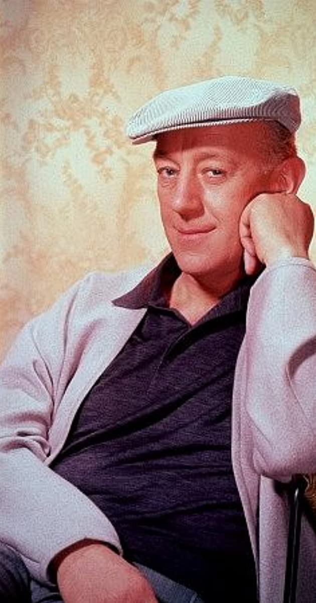 alec guinness deathalec guinness as fagin, alec guinness rey, alec guinness biography, alec guinness star wars, alec guinness young, alec guinness death, alec guinness genuine class, alec guinness net worth, alec guinness wikipedia, alec guinness height, alec guinness ww2