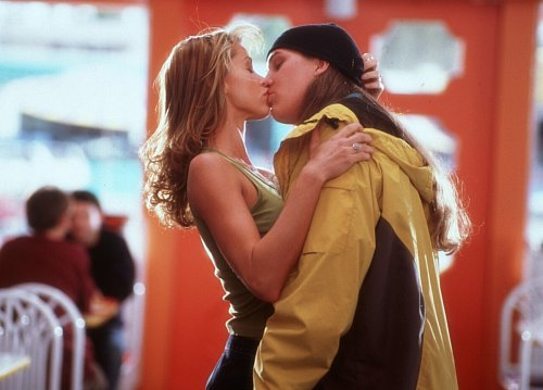 Shannon Elizabeth and Jason Mewes in Jay and Silent Bob Strike Back (2001)
