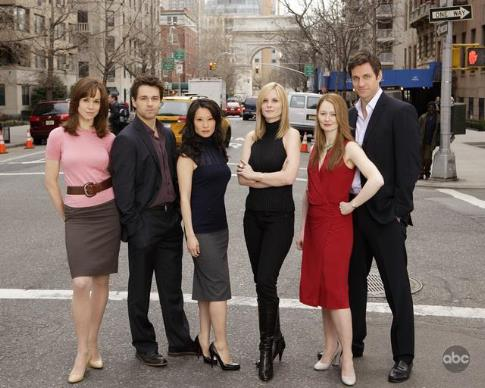 Miranda Otto, Lucy Liu, Peter Hermann, Frances O'Connor, Bonnie Somerville, and Julian Ovenden in Cashmere Mafia (2008)