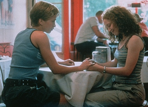 Christina Cox and Karyn Dwyer in Better Than Chocolate (1999)