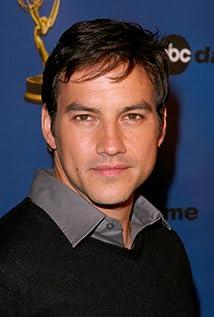 Aktori Tyler Christopher